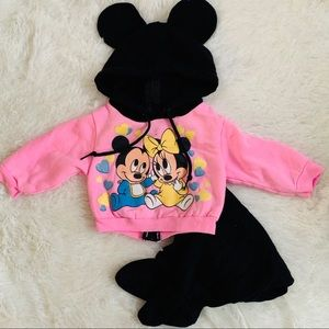 Minnie the Mouse and Mickey Baby's Sweatsuit